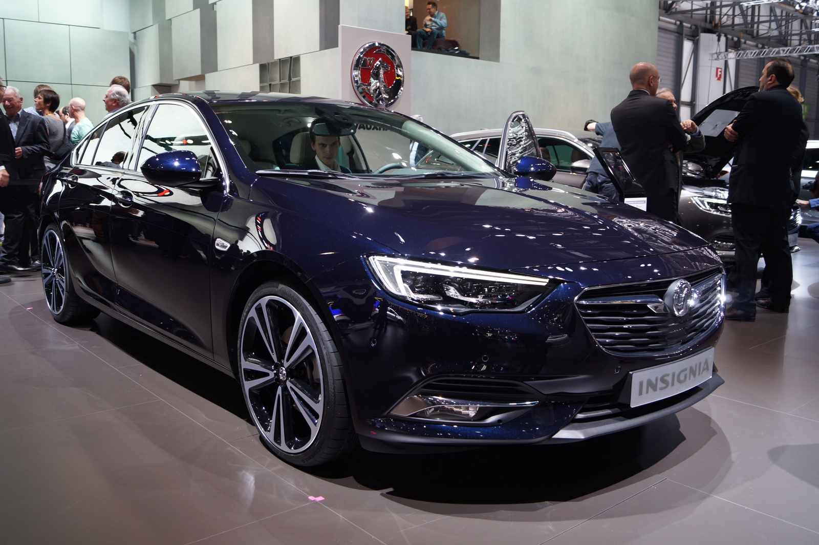 genewa 2017 nowy opel insignia grand sport i sports tourer menad er floty. Black Bedroom Furniture Sets. Home Design Ideas